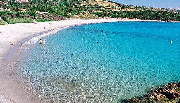 Bis zu 60% reduzierte Preise in den 4- und 5-Sterne-Delphina-Hotels, am wunderschönen Meer Sardiniens.
