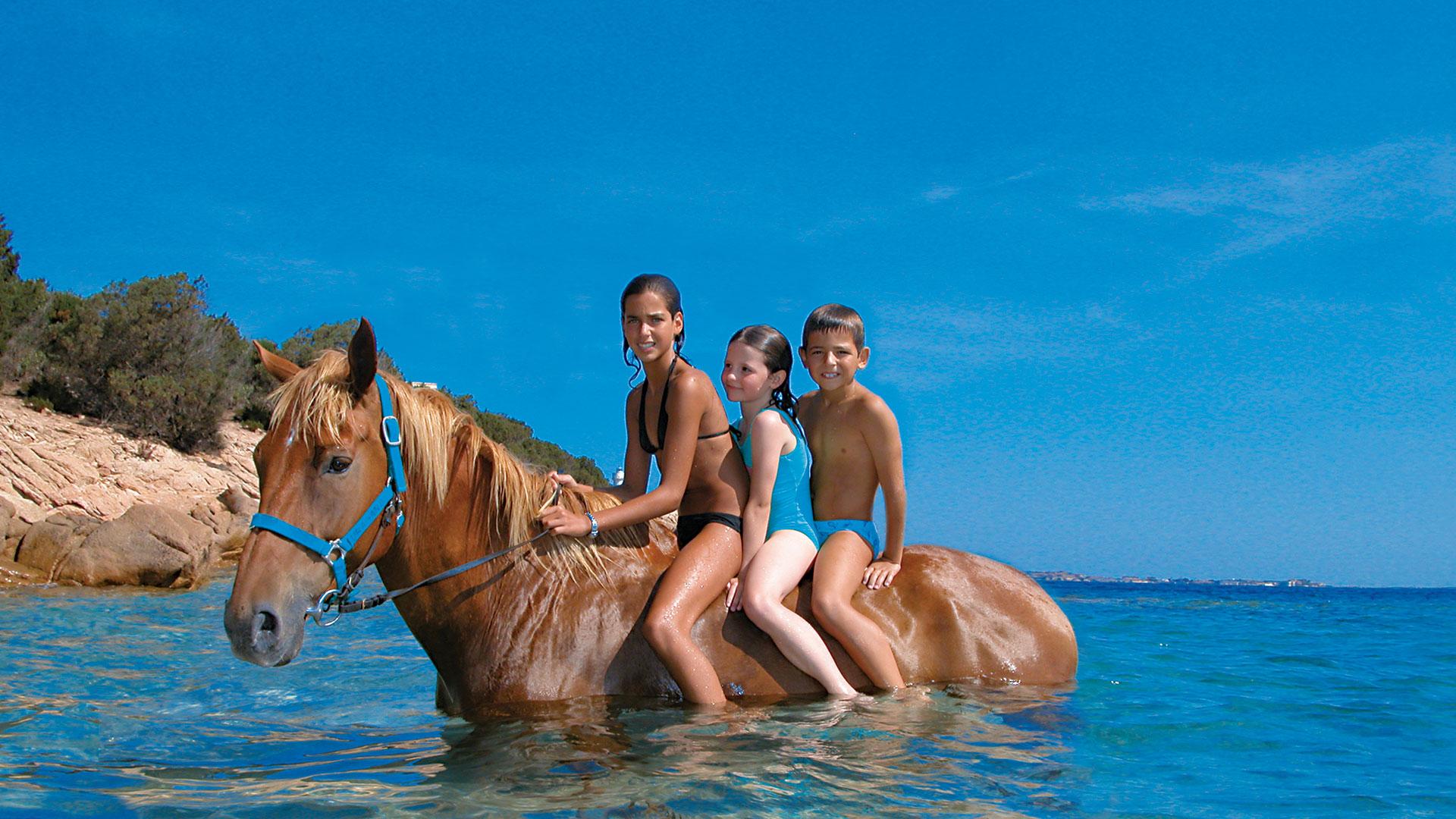 delphina-hotels-slide-5-stelle-in-liberta-bimbi-mare-sardegna
