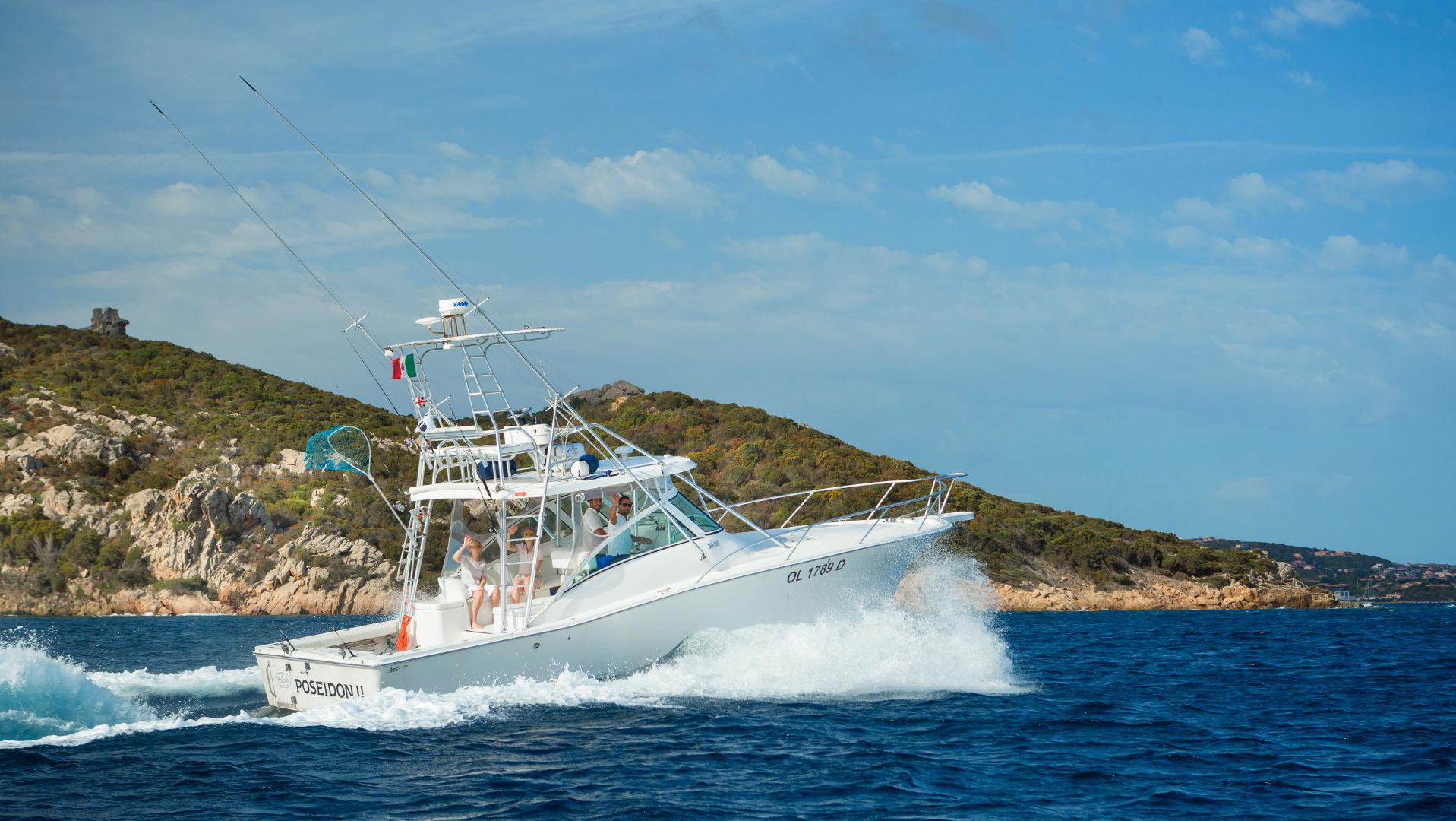 delphina-hotels-slide-charter-diporto-poseidon-fishing-palau-isola-rossa-sardegna
