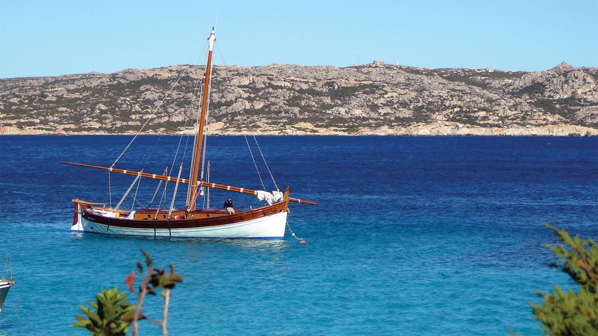 delphina-slide-imbarcazioni-vela-latina