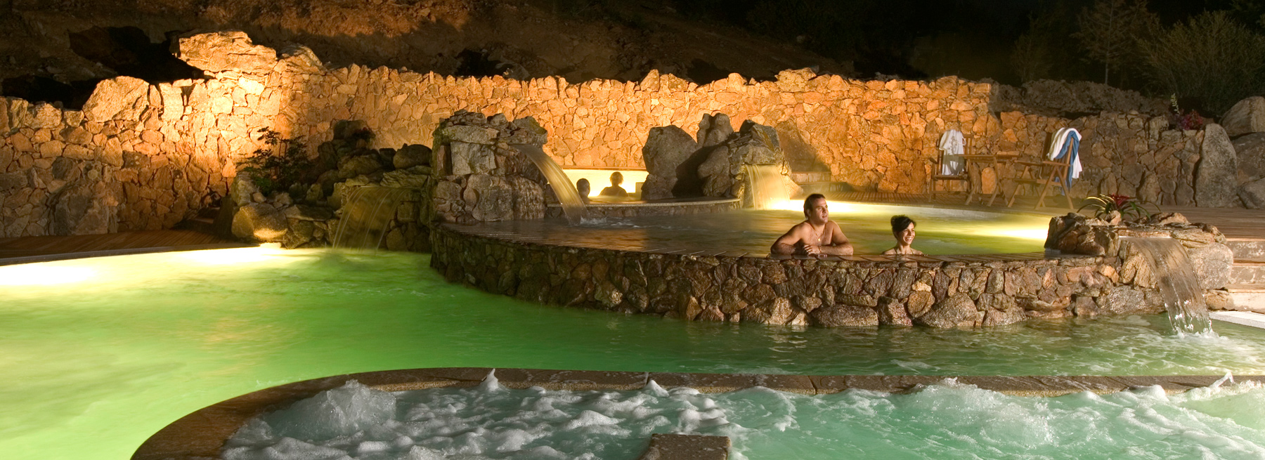 gruppo-delphina_slider_thalasso-centro-benessere-incantu-piscine-per-landing