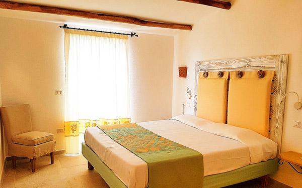 hotel-cala-di-lepre-senior-suite-deluxe-palau-01