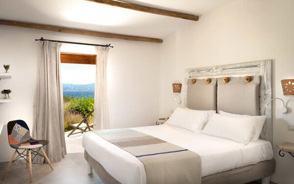 hotel-cala-di-lepre-senior-suite-deluxe-palau-03