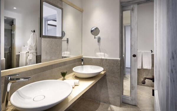 hotel-cala-di-lepre-senior-suite-deluxe-palau-06