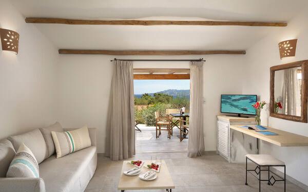 hotel-cala-di-lepre-senior-suite-deluxe-palau
