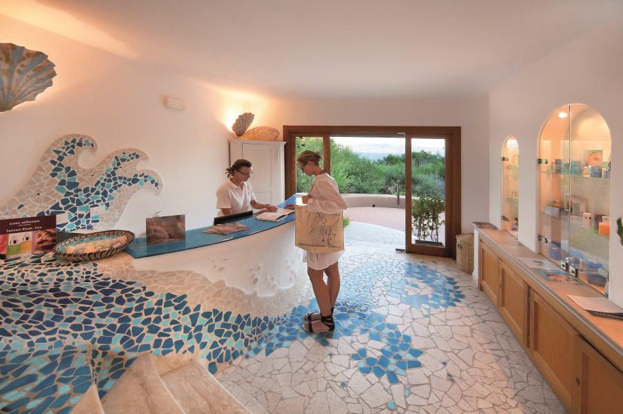 hotel-capo-d-orso-gallery-benessere-incantu-reception-palau