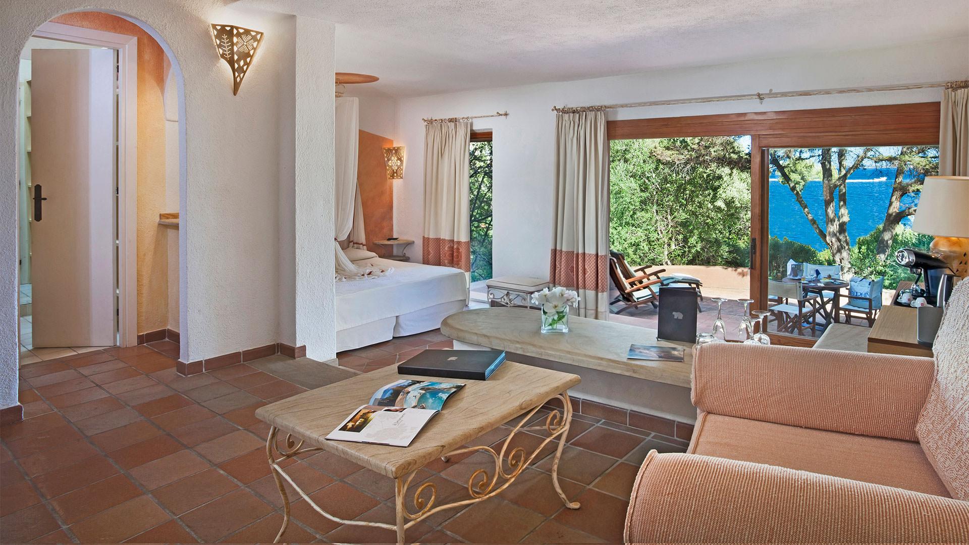hotel-capo-orso-slider-camere-junior-suite-cardinal-sardegna-palau-2-mini