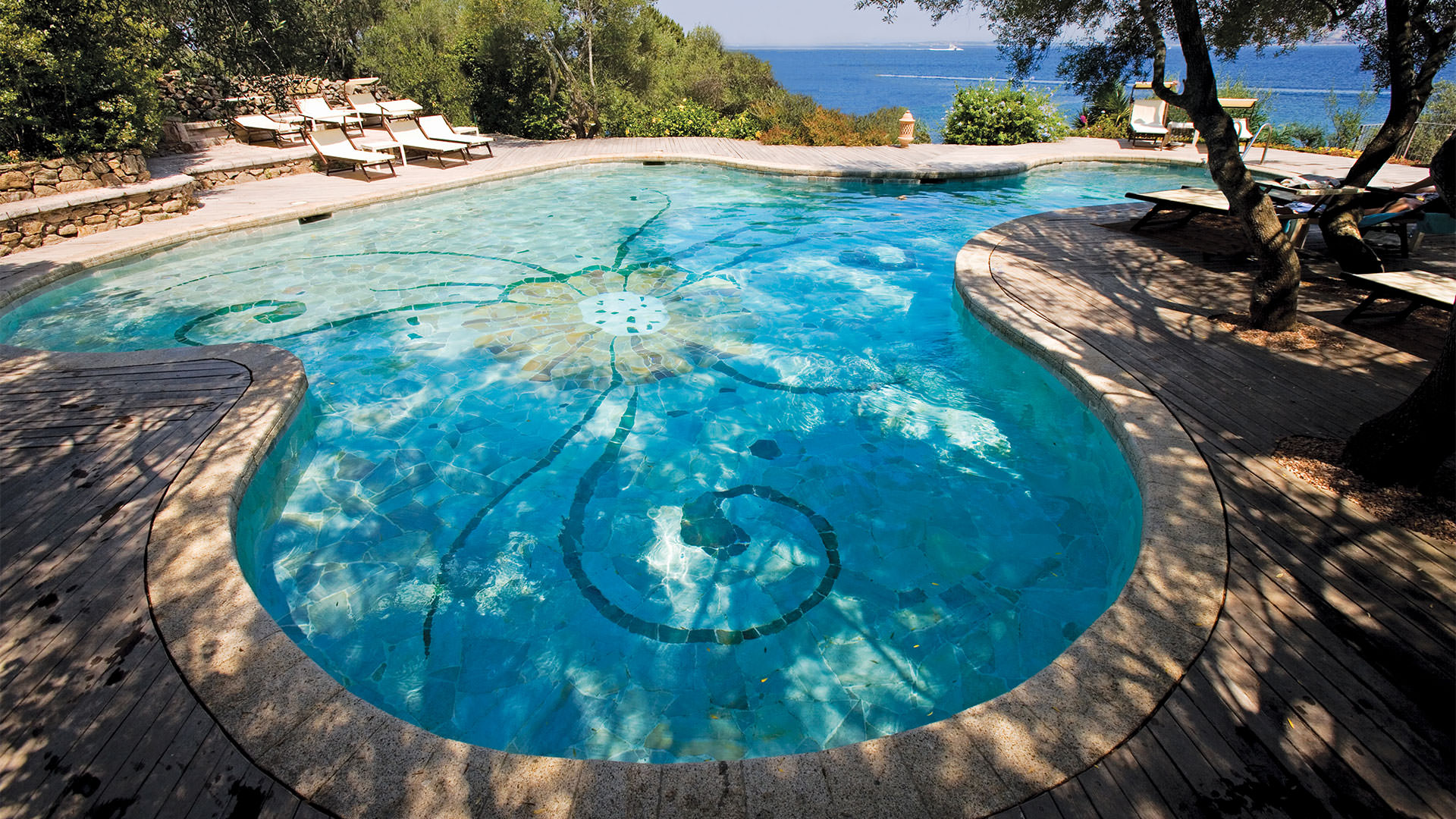 hotel-capo-orso-slider-servizi-piscina-1-mini