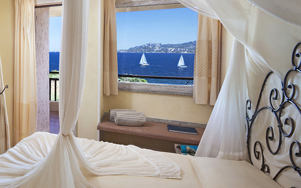 hotel-capo-orso-suite-family-vista-mare-palau-01