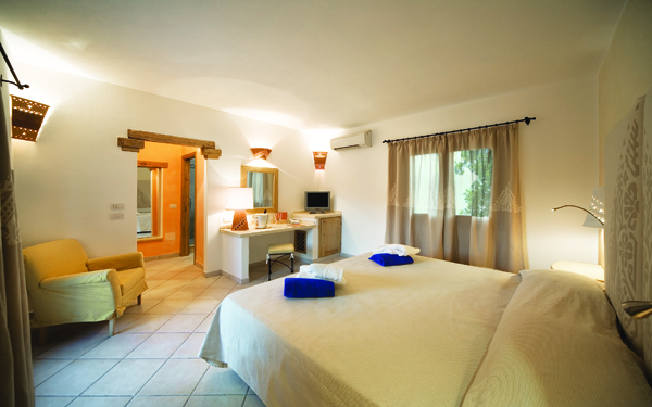 hotel-le-sabine-deluxe-badesi-01