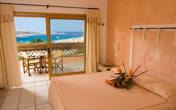 hotel-marinedda-family-suite-isola-rossa-03