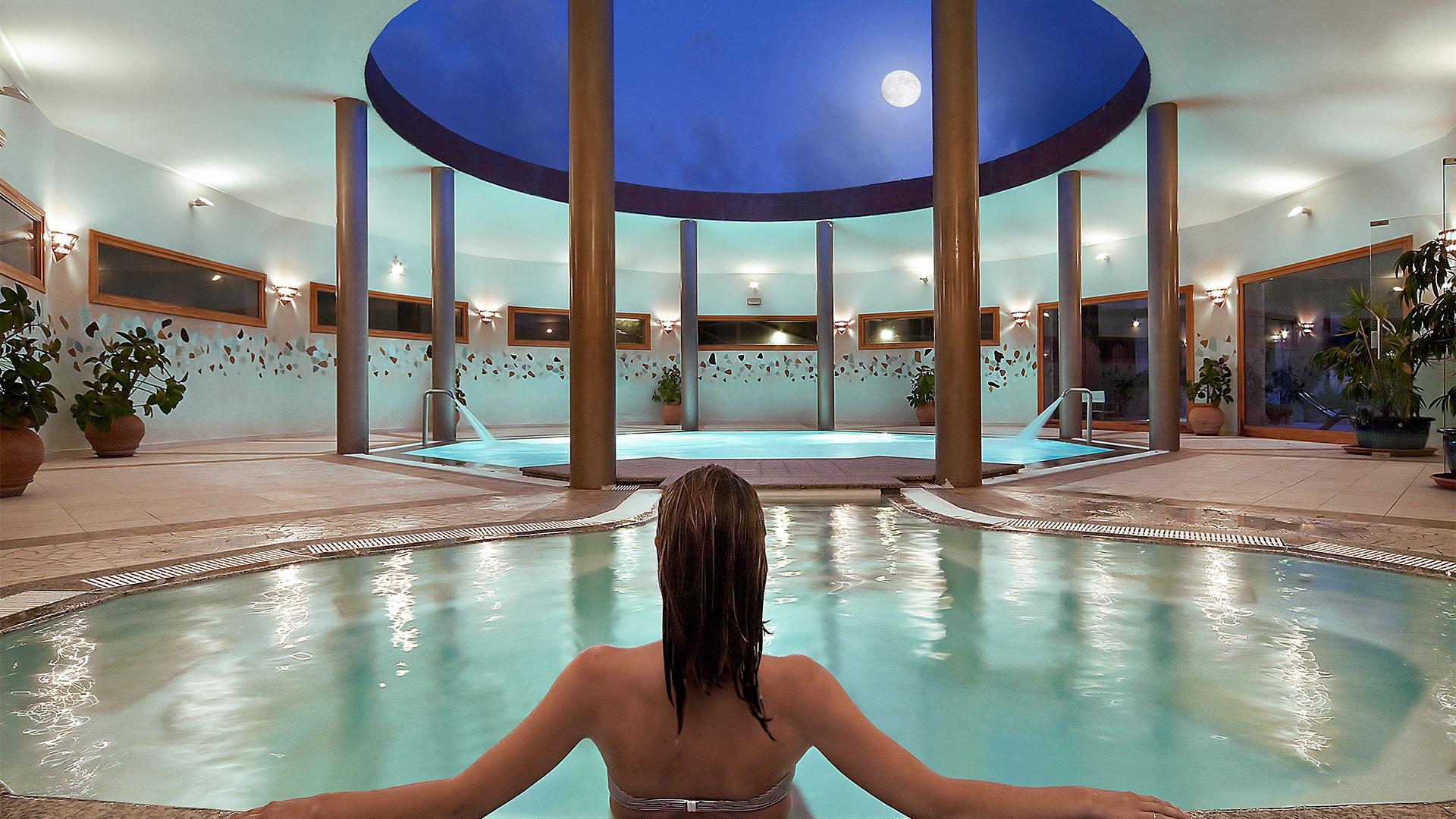 hotel-marinedda-slider-thalasso-piscina-sardegna-isola-rossa-1