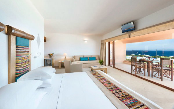 hotel-torreruja-junior-suite-executive-isola-rossa-02