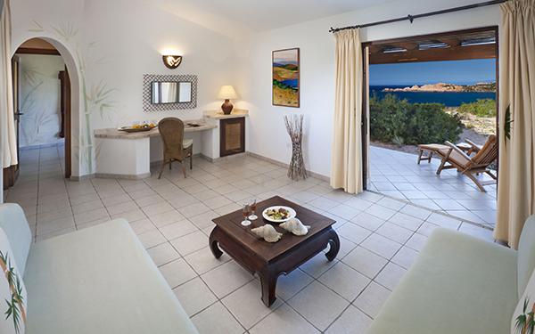 hotel-torreruja-master-suite-isola-rossa-05