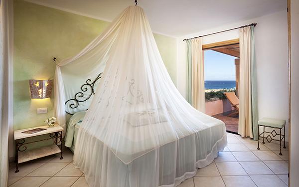 hotel-torreruja-master-suite-isola-rossa-06