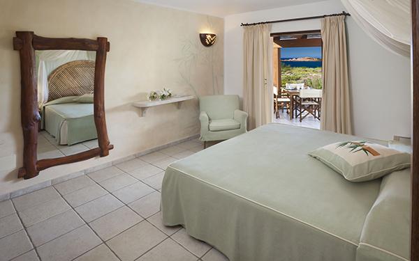 hotel-torreruja-master-suite-isola-rossa-07