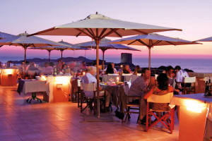 Рестораны Delphina Hotel Torreruja Isola Rossa Сардиния - Италия