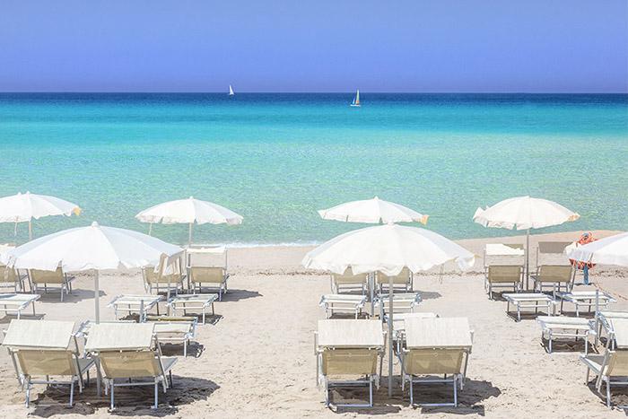 Pacchetti vacanze hotel traghetto sardegna delphina for Nave sardegna