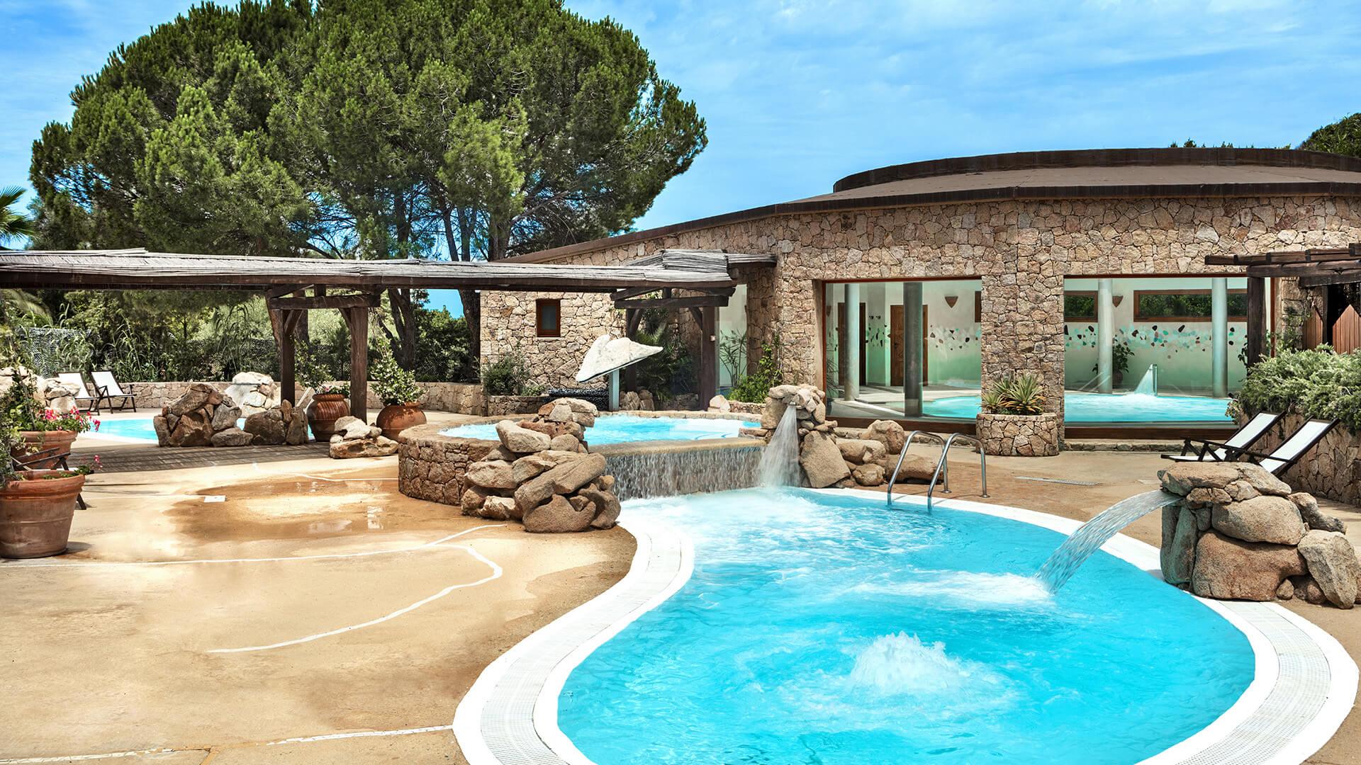piscine-thalasso-hotel-marinedda-isola-rossa