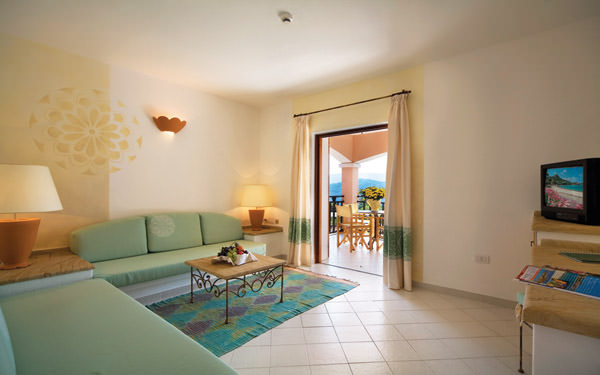 resort-cala-di-falco-family-suite-cannigione-03