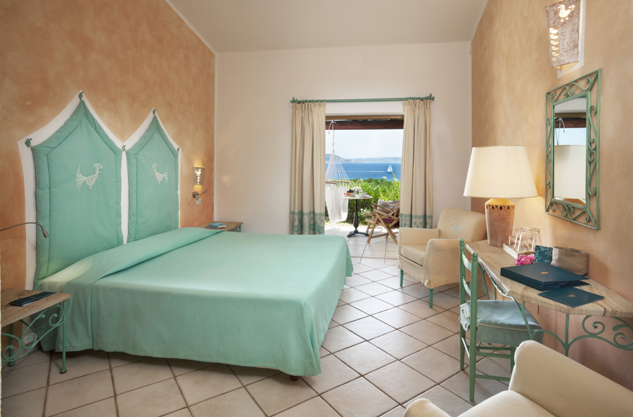 Camere del resort valle dell'erica a s. teresa gallura, sardegna