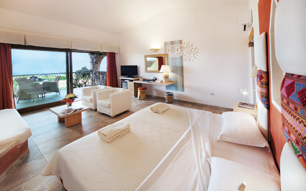 resort-valle-erica-junior-suite-licciola-santa-teresa-gallura-01