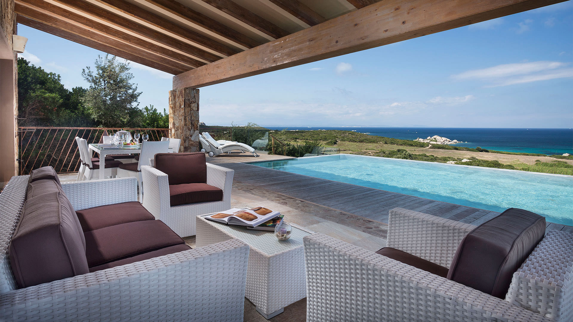 resort-valle-erica-slider-suite-arcipelago-piscina-3