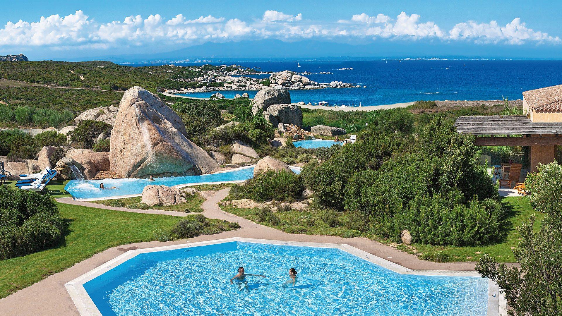 resort-valle-erica-slider-thalasso-piscina-sardegna-mare-1