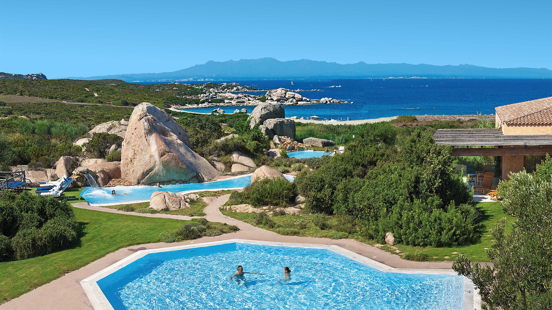 resort-valle-erica-thalasso-piscina-sardegna-mare