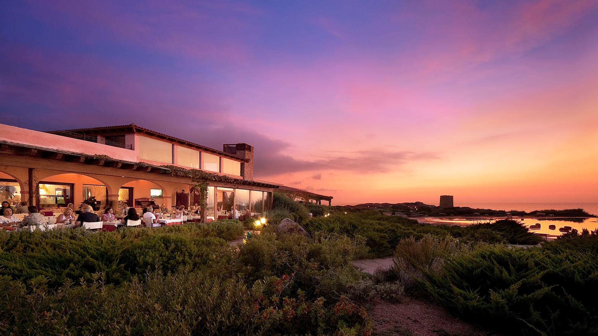 hotel-torreruja-slider-ristorante-tramonto-isola-rossa_mini