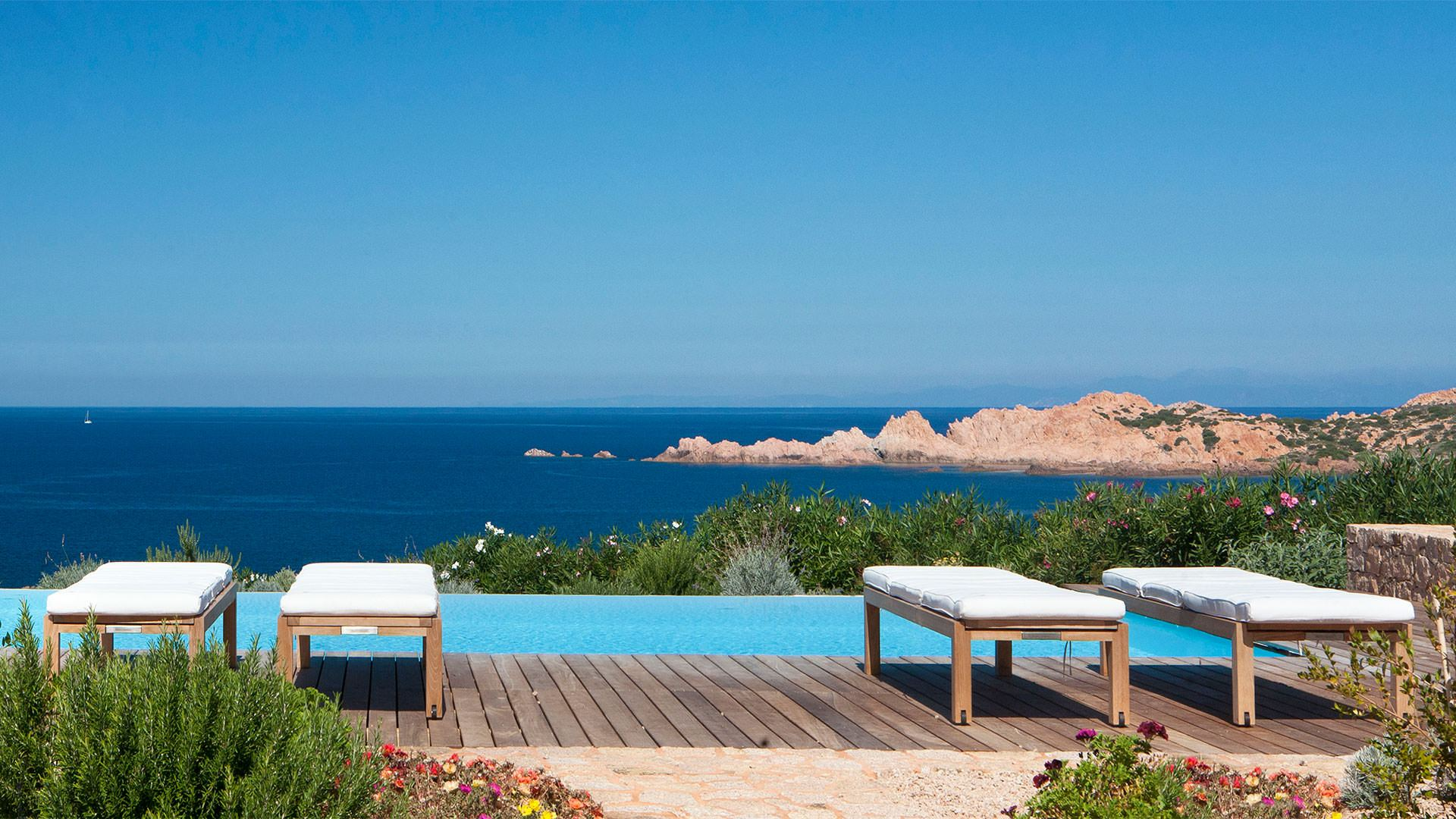 hotel-torreruja-isola-rossa-ville-canneddi-piscina-mini