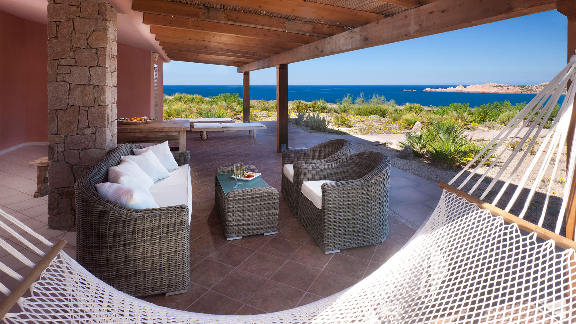 hotel-torreruja-isola-rossa-ville-olivastri-veranda-mini